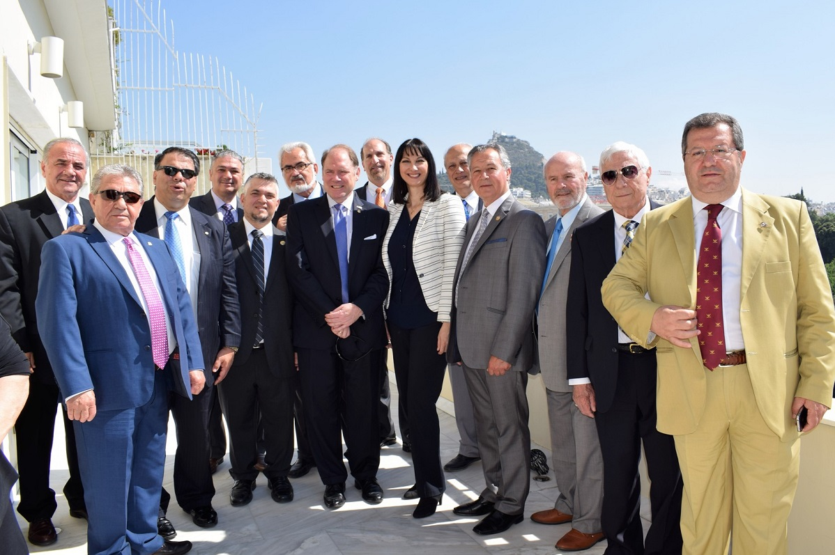 Representatives of the American Hellenic Educational Progressive Association (AHEPA) recently met with Greek Tourism Minister Elena Kountoura.