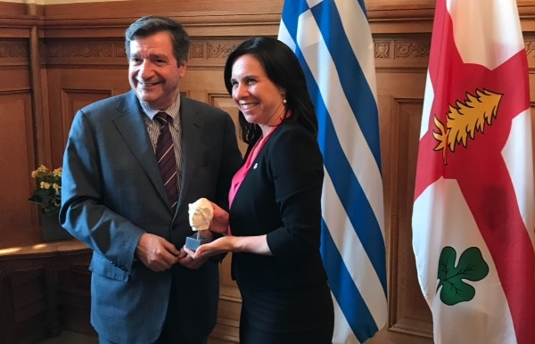 Athens Mayor Giorgos Kamins and Montreal Mayor Valérie Plante.