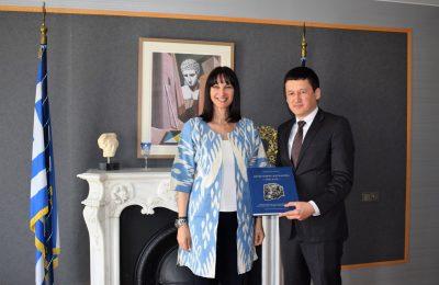 Greek Tourism Minister Elena Kountoura and Deputy Tourism Minister of Uzbekistan Abdoulaziz Akkulov