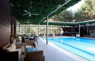 Lazart Hotel outdoor pool. Photo © Lazart Hotel