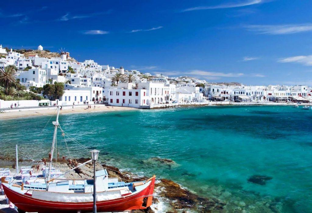 Mykonos Island. Photo © www.hostelbay.com