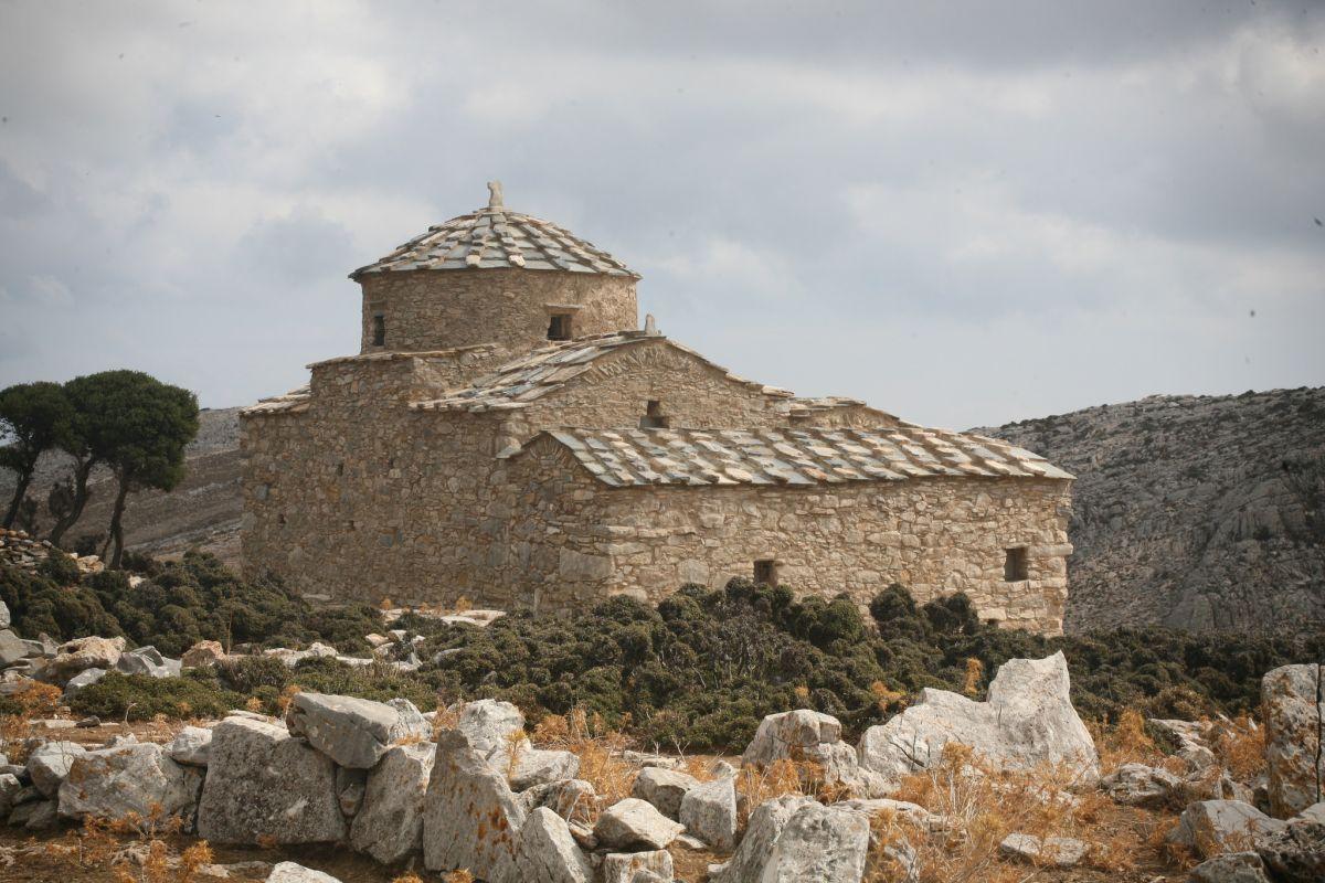 Byzantine Church of Hagia Kyriaki on naxos. Photo source: europeanheritageawards.eu