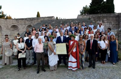 KEDE President George Patoulis with doctore and chairmen of medical associations of the world at the Asklepieion of Kos site.