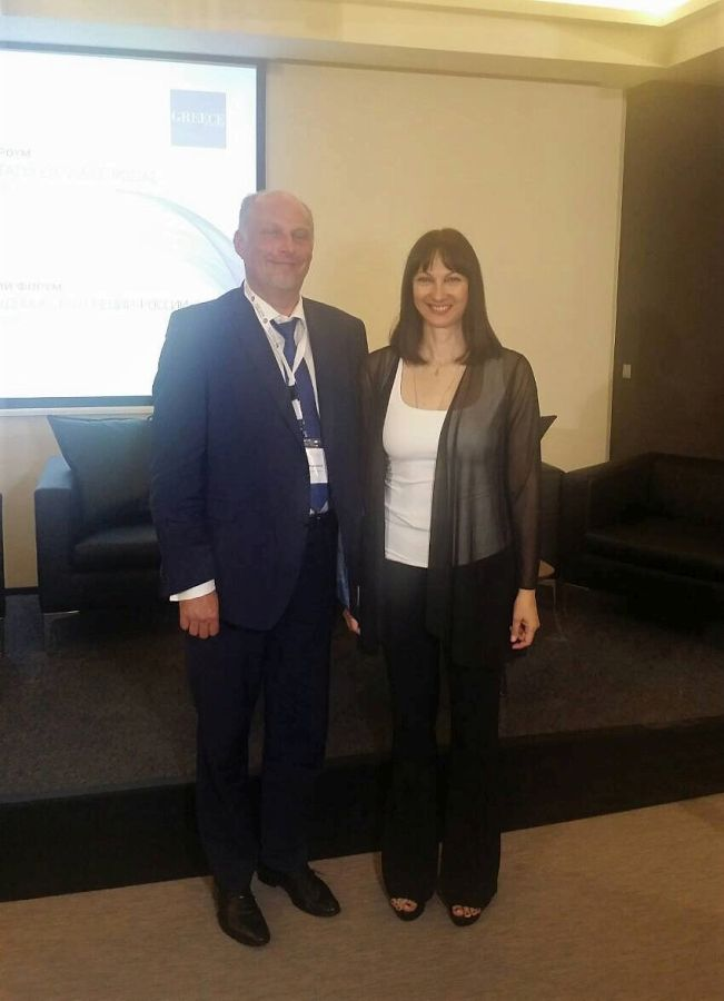 Greek Tourism Minister Elena Kountoura with the deputy head of the Russian Federal Tourism Agency (Rostourism), Sergey Korneev. Photo source: Ministry of Tourism
