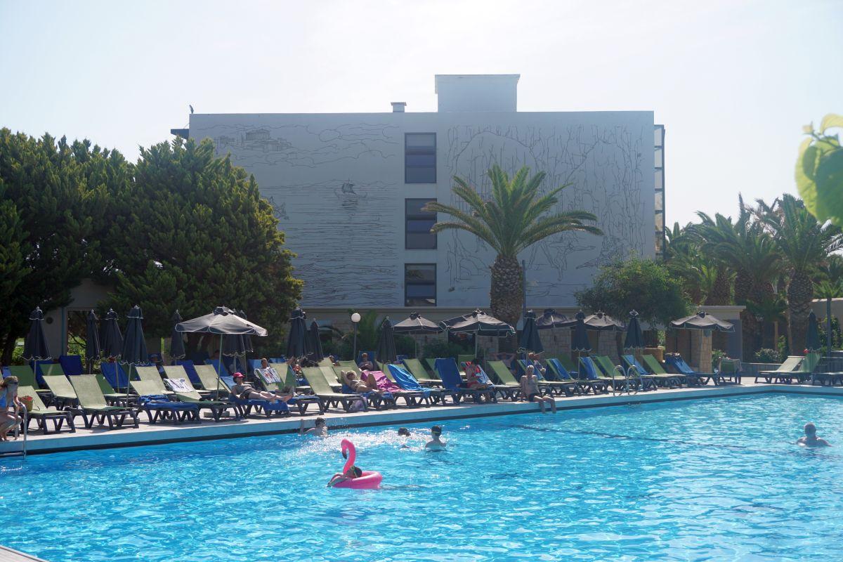 SunConnect Marina Beach Hotel