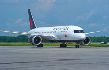 Boeing 787-8 Dreamliner. Photo source: Air Canada
