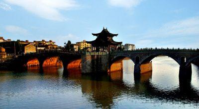 Tongji Bridge over the Beijing-Hangzhou Grand Canal. Photo source: Hangzhou Tourism Commission