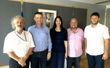 Greek Tourism Minister Elena Kountoura and Secretary General for Tourism Policy and Development George Tziallas (second from left) with representatives of the Hellenic Agrotourism Federation. Photo source: Tourism Ministry