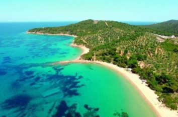 Big and Little Banana beaches on Skiathos. Photo Source: Municipality of Skiathos - http://www.n-skiathos.gr