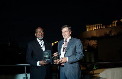 Mozambique President Joaquim Chissano and Athens Mayor Giorgos Kaminis.