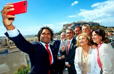 Former football player Christian Karembeu is among the speakers of the Peace and Sport Regional Forum. In the photo with South Aegean Governor George Hatzimarkos; modern pentathlon Olympic medallist Joël Bouzou; former Tourism Minister of Greece Fani Palli Petralia and Aegean Public Relations and Press Director Roula Saloutsi. Photo Source: @George Hatzimarkos