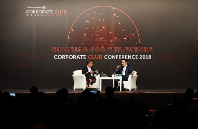 BBC presenter Aaron Heslehurst and Chairman of the Board and the Executive Committee of Turkish Airlines M. İlker Aycı.