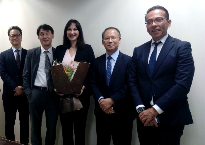 Greek Tourism Minister Elena Kountoura with Hanjin Travel President Park Inchai, KAL-PAK Vice President An Kyowook and KAL Tours General Manager Park Dongryong.