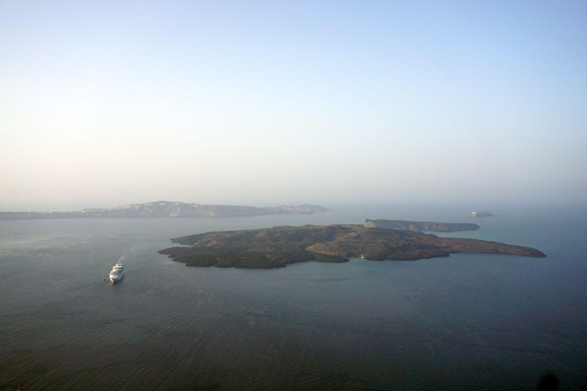 The small island of Nea Kameni in the center of the Santorini caldera. Photo © GTP