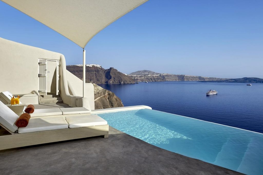 Santorini S Mystique And Vedema Shined At Cnt Readers Choice Awards