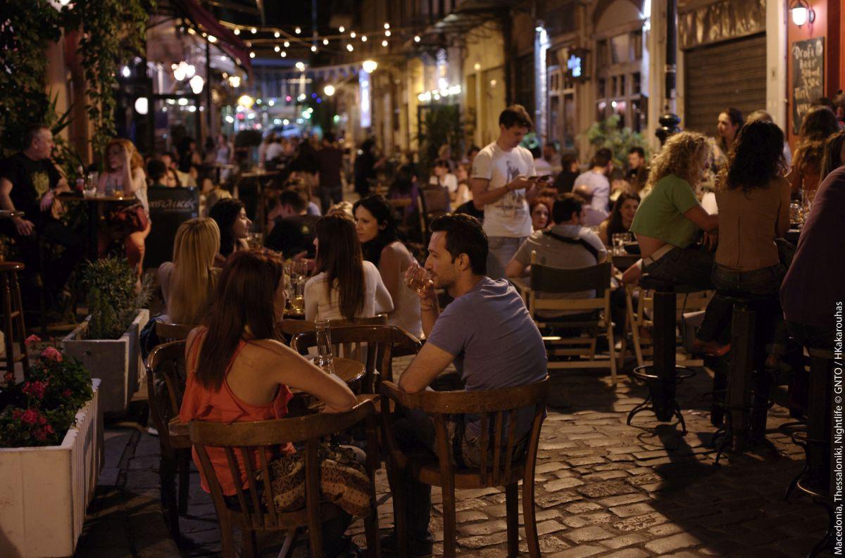 Nightlife in Thessaloniki. Photo source: Visit Greece / KKouzouni
