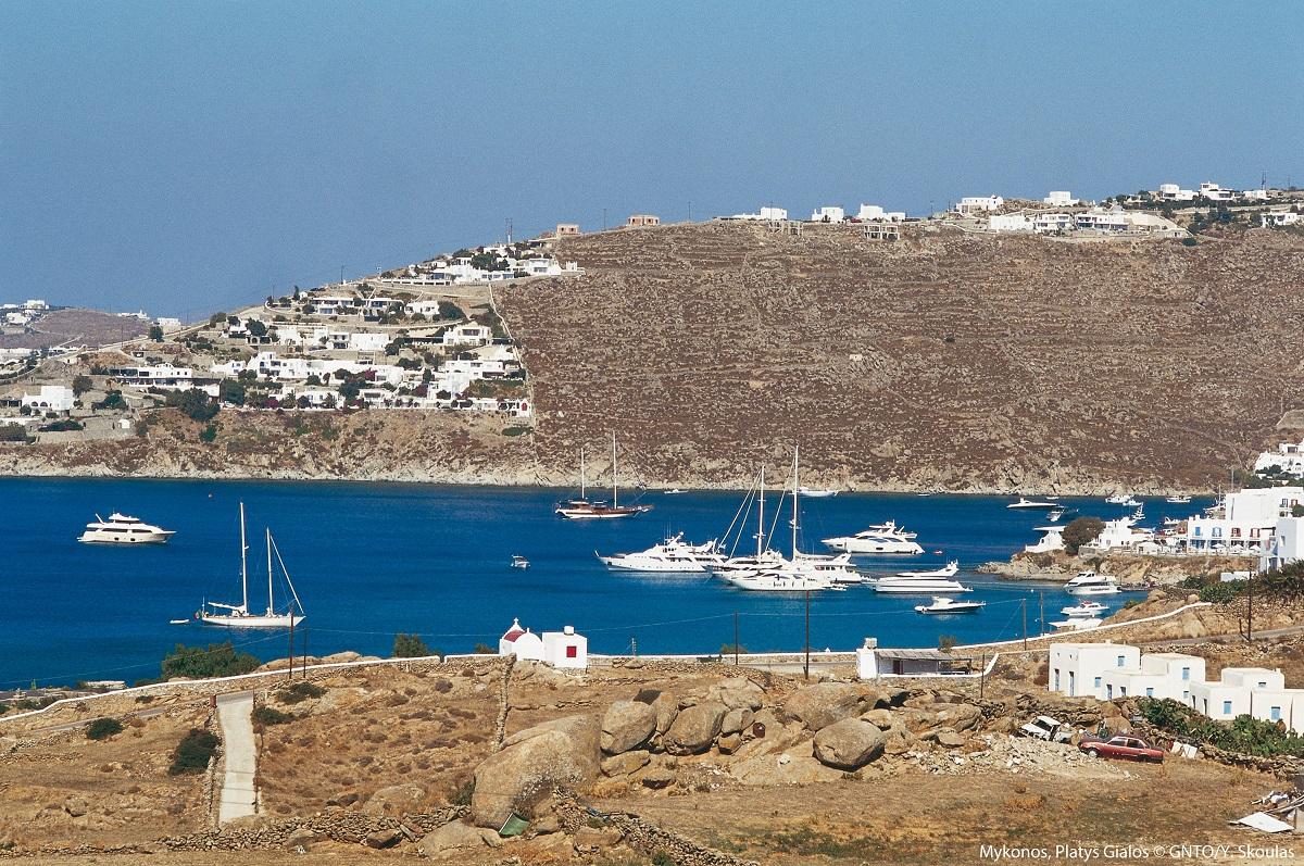 Platys Gialos, Mykonos, Greece. Photo: Y Skoulas/Visit Greece
