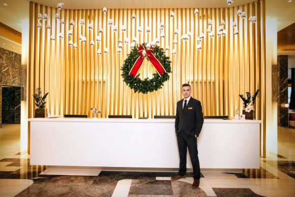 Nikos Papagiannopoulos, Makedonia Palace (Receptionist).