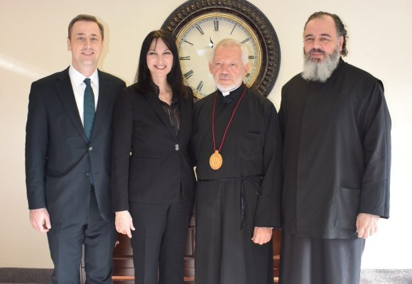 Elena Kountoura with Metropolitan Sotirios of Toronto; Victor Maligoudis; and Athinagoras Ziliaskopoulos, dean of the Toronto Theological Academy.