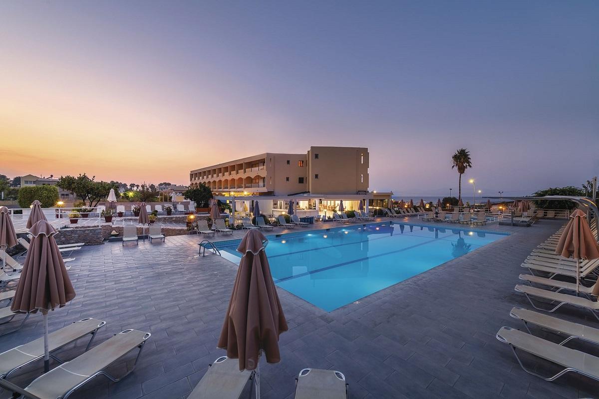 SuneoClub Niriides Beach Apartments on Kos. Photo Source: TUI Group
