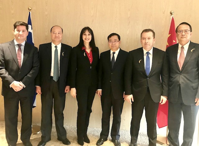 Greek Tourism Minister Elena Kountoura with the Mayor of Pudong-Shanghai Ji Zhaoliang; Deputy Minister of Agricultural Development Vasilis Kokkalis; General Consul of Greece to Shanghai Vasilis Xiros; Shanghai Free Trade Zone Organization President Weng Zhuliang and Director Chen Bin.