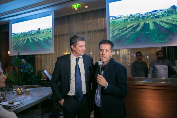 Alexandros Angelopoulos and Hellenic Hotels Federation President Grigoris Tasios.