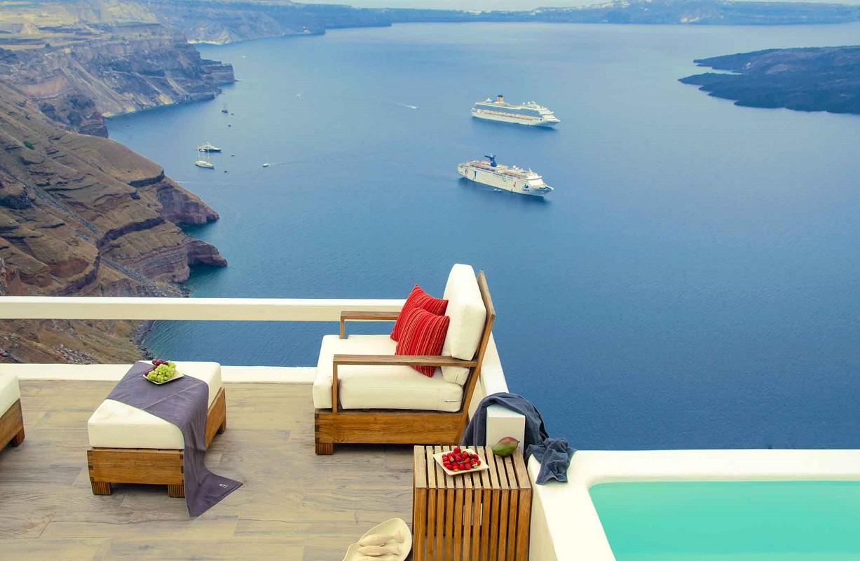 Photo © Tryfon Georgopoulos / Aqua Luxury Suites