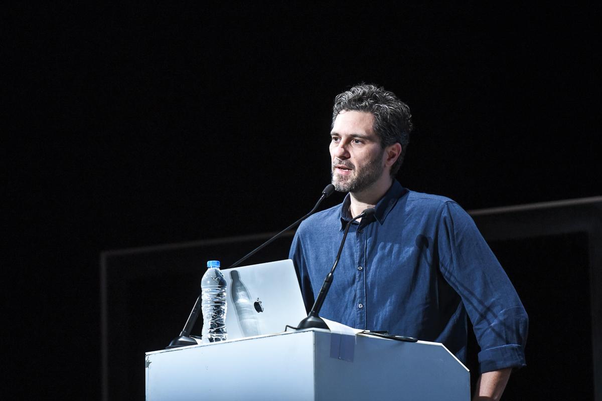 Ο Κώστας Πουλόπουλος, αρχιτέκτονας και ιδρυτής του αρχιτεκτονικού γραφείου SquareOne.