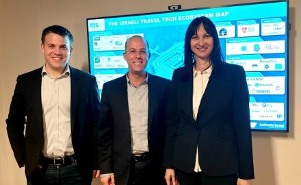 Tourism Minister Elena Kountoura with the head of Innovate Israel Itai Green and the coordinator of Israel Travel-Tech Startups (ITTS) Michael Ben Aharon.
