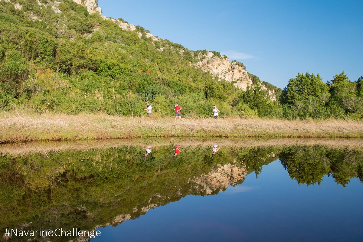 Runners of Navarino Challenge crossing the beautiful Voidokilia beach (photo by Elias Lefas)