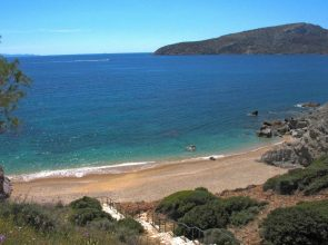 Legrena Beach (KAPE) in Attica. Photo source: VisitGreece / S. Pavlidis