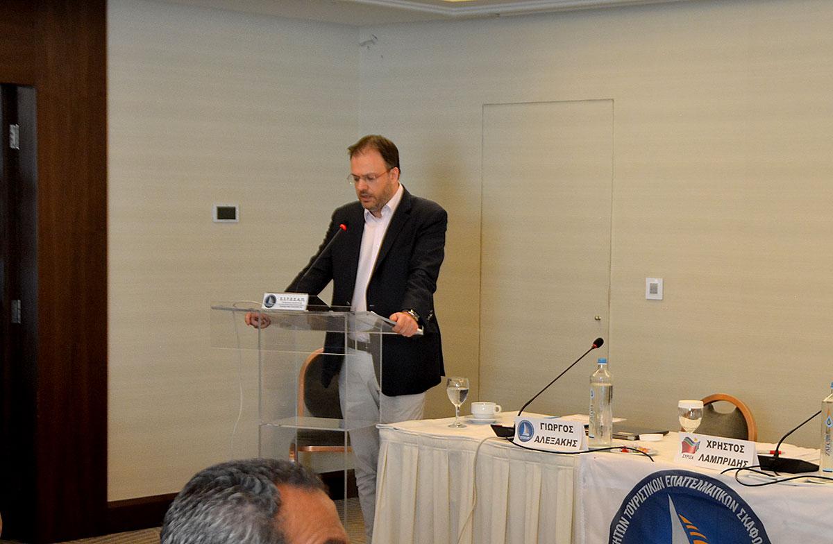 Ο Υπουργός Τουρισμού, κ. Θανάσης Θεοχαρόπουλος.