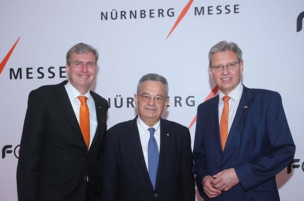 Peter Ottmann, CEO NürnbergMesse Group; Nikos Choudalakis, President and CEO of Forum SA; Roland Fleck, CEO NürnbergMesse Group.