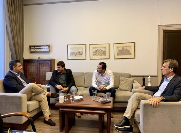 Apostolos Tzitzikostas, governor of the region of Central Macedonia; Nilesh Malhotra, Indian film actor/director; Alexandros Thanos, regional vice governor for Tourism; and Tasos Tzikas, president of TIF-Helexpo.