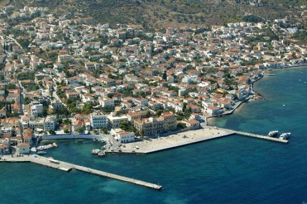 Dapia port, Spetses. Photo Source: Visit Greece