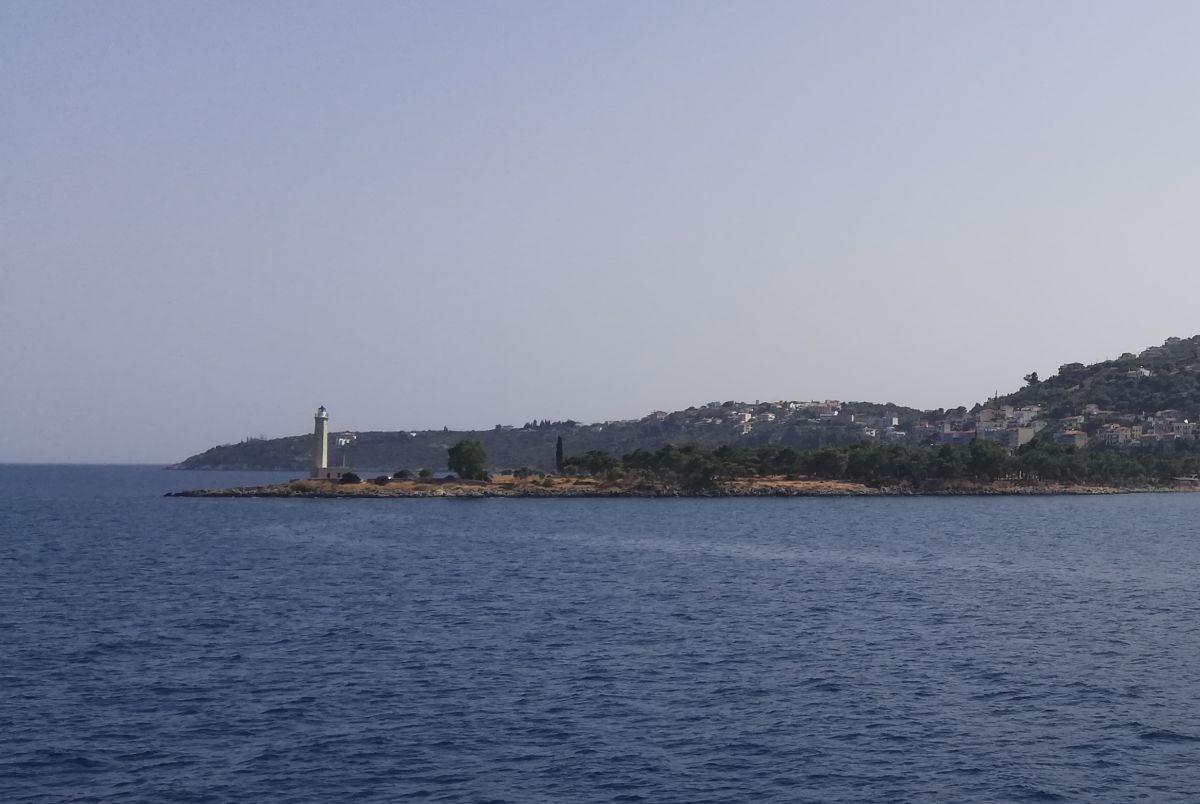 Lighthouse Kranai, Gytheio. Photo © GTP