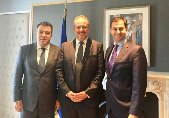Deputy Tourism Minister Manos Konsolas, Fraport Greece's George Vilos and Tourism Minister Haris Theoharis.