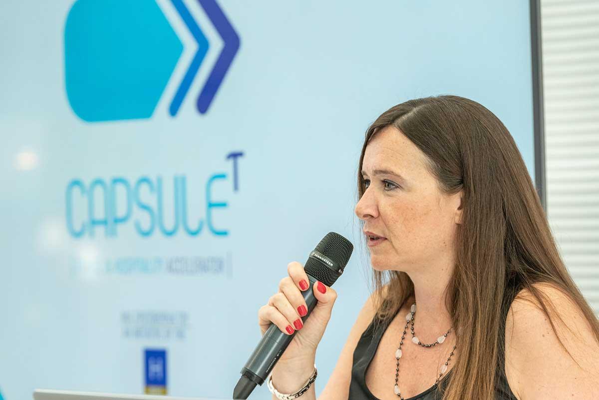 Η διευθύντρια του επιταχυντή κα Κατερίνα Σαριδάκη.