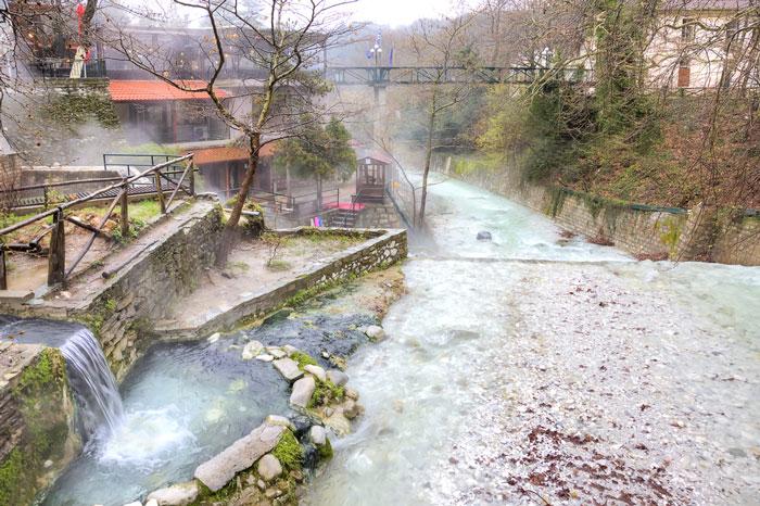 Pozar thermal springs
