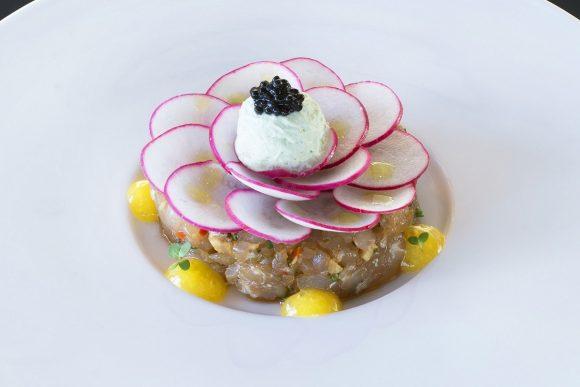 Fish tartare with kataifi