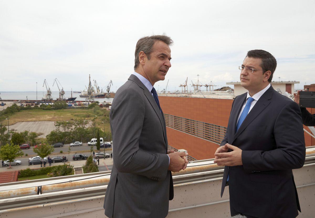 Greek Prime Minister Kyriakos Mitsotakis with Central Macedonia Regional Governor Apostolos Tzitzikostas. Photo source: @PrimeministerGR