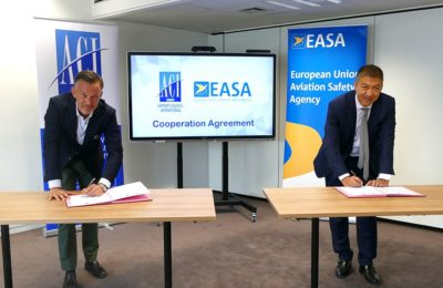 ACI EUROPE Director General Olivier Jankovec and EASA Executive Director signing a cooperation agreement for the implementation of the joint EASA/ECDC COVID-19 Aviation Health Safety Protocol.