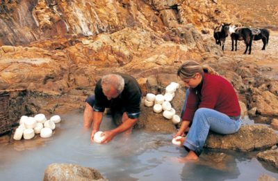 The making of Limnos' traditional cheese (melihloro/melipasto). Photo copyright: Greek Culture Ministry
