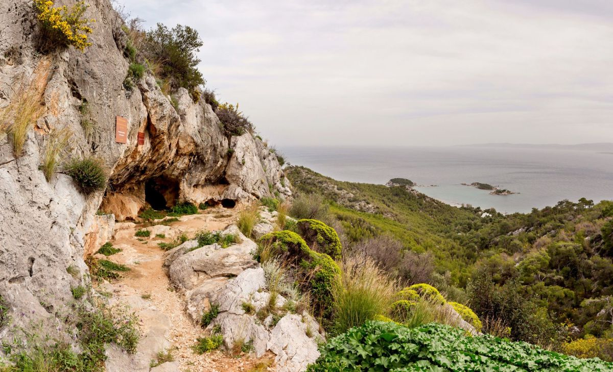 Cave of Euripides on Salamina. Photo source: Region of Attica