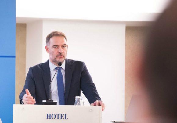Αλέξανδρος Βασιλικός, Πρόεδρος του Ξενοδοχειακού Επιμελητηρίου Ελλάδος.