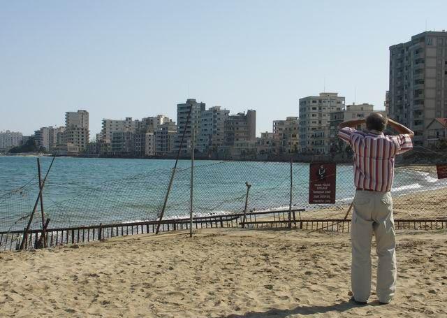 Varosha, Cyprus. Photo source: Wikimedia Commons / Yolanda Demetriou