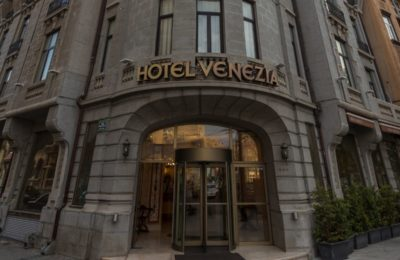 Hotel Venezia, located at the historic square of Mihail Kogălniceanu in Bucharest. Source: Zeus International