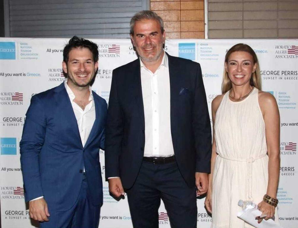 Greek singer George Perris, GNTO Secretary General Dimitris Fragakis and hostess Ina Tarantou.