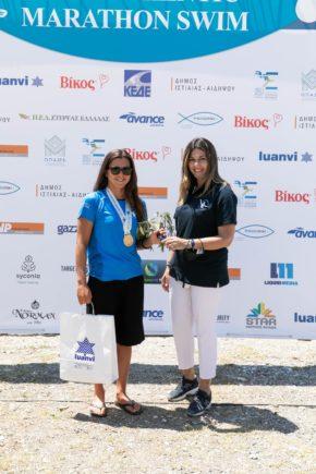 Marina Triantafyllidi, the winner of the 10k with the Deputy Minister of Tourism, Ms. Sofia Zacharaki (photo by Dimitris Andritsos Photography@ Authentic Marathon Swim)