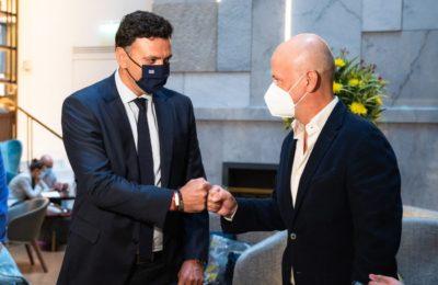 Greek Tourism Minister Vassilis Kikilias and SETE President Yiannis Retsos.